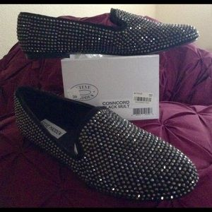 """Steve Madden """"New"""" Black and Bling Flat Shoes"""